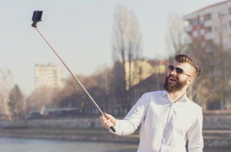 Background selfie dan sos med worthy popular