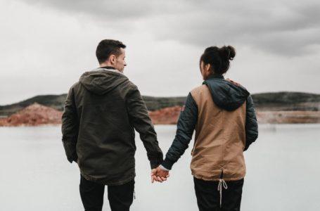 Tanda Kau Hanya Dianggap Kawan – Lelaki