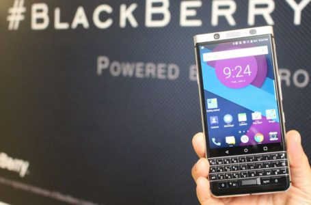 BlackBerry Bakal Buat Comeback Dengan Papan Kekunci Fizikal