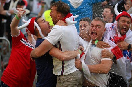 Dibuang Kerja Selepas Muka Keluar TV Sambut Kemenangan England